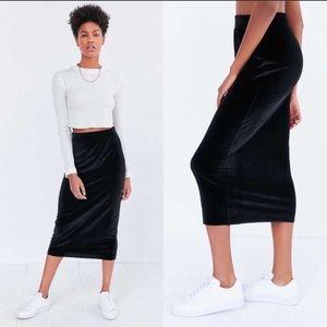 * Silence + Noise Velvet Black midi stretch Skirt